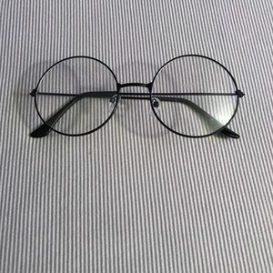 Accessories - Oversized Round Glasses